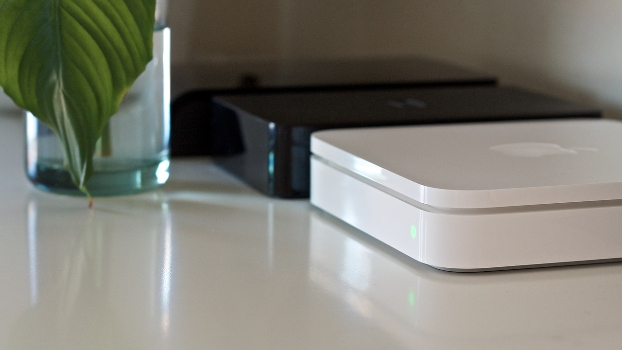 Experience a glitch-free network connection with apple Wi-Fi router